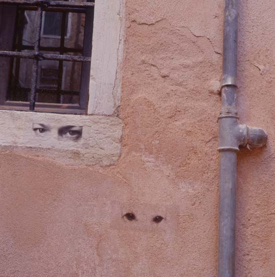 Graciela Sacco, Between Us—Urban Interference, from the 49th Venice Biennial, 2001. Photo by Marcos Garavelli.